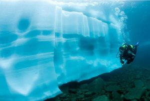 ice_diving_3
